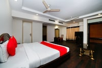 OYO 22953 Hotel Shelter Deluxe