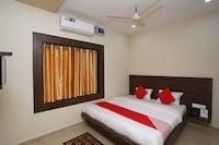 OYO 22955 Hotel Manorama