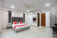 Capital O 22956 Hotel Grand Residency