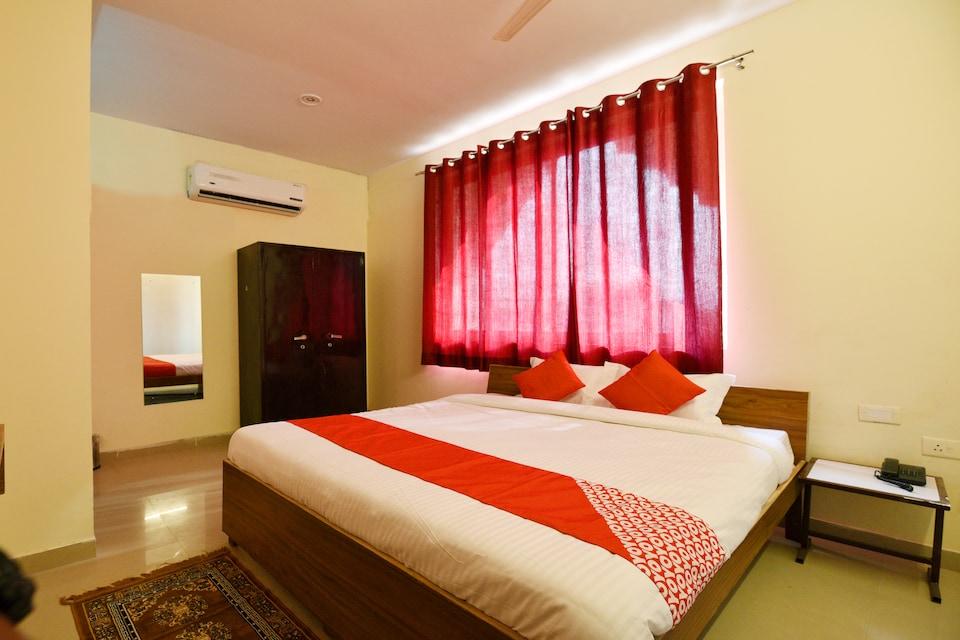 OYO 22966 Hotel Raj Niwas