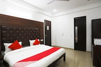 OYO 567 Hotel Royal Stay Inn
