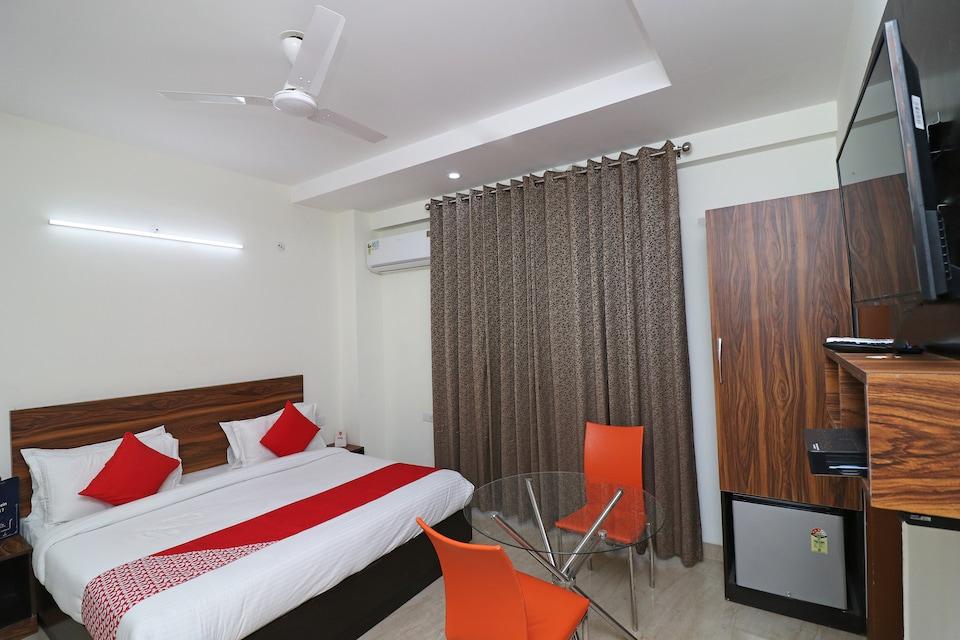 Capital O 22975 Global Inn