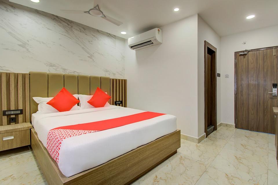 Capital O 23031 V Hotel, Mahanadu Extension VIjayawada-II, Vijayawada