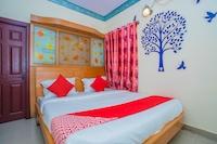 OYO 23046 New Aishwarya Comforts Saver