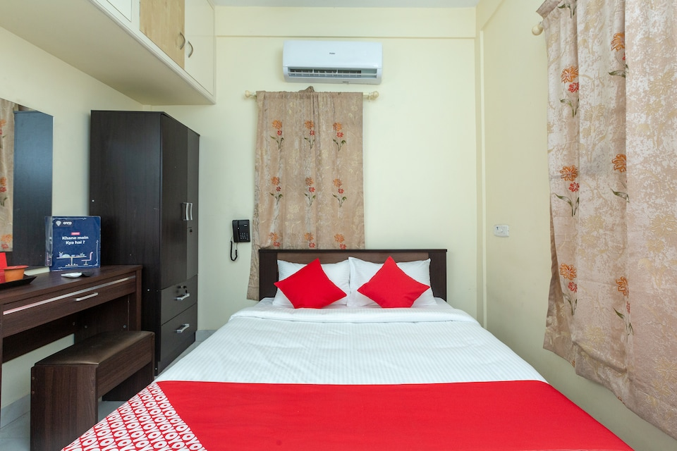 OYO 23081 Little Stay Service Apartments