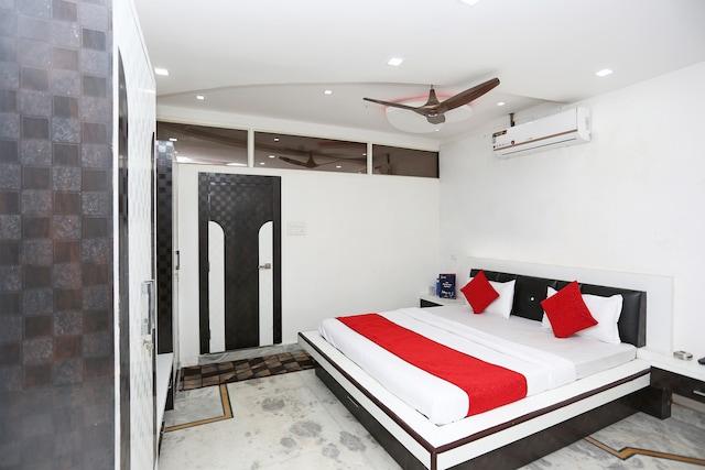 OYO 23090 Hotel Mani Bhai Patel