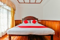 OYO 23104 Houseboat Indraprastham Four Square 4 Bhk Deluxe