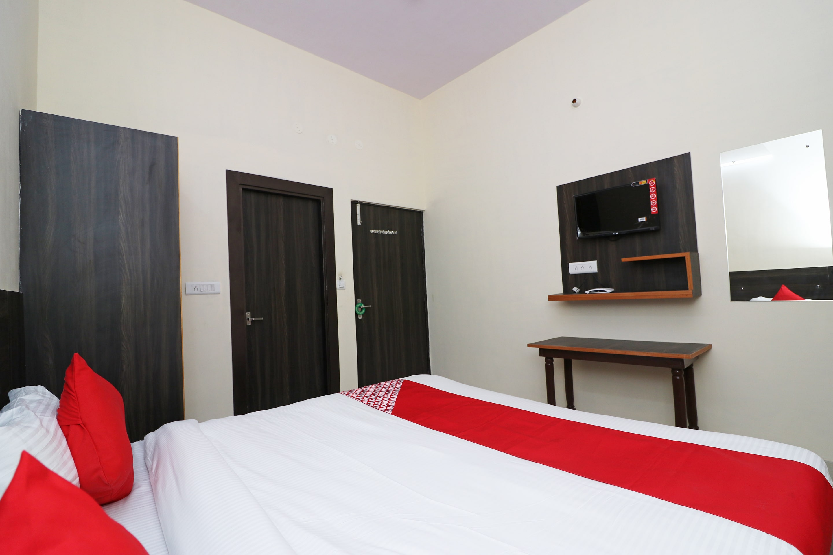 Hotel Gallarey OYO 23157 Grand Sudershan HS