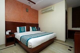 OYO Rooms 377 Near Hanuman Mandir Jhandewalan