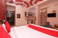OYO 23302 New Delhi Guest House Saver
