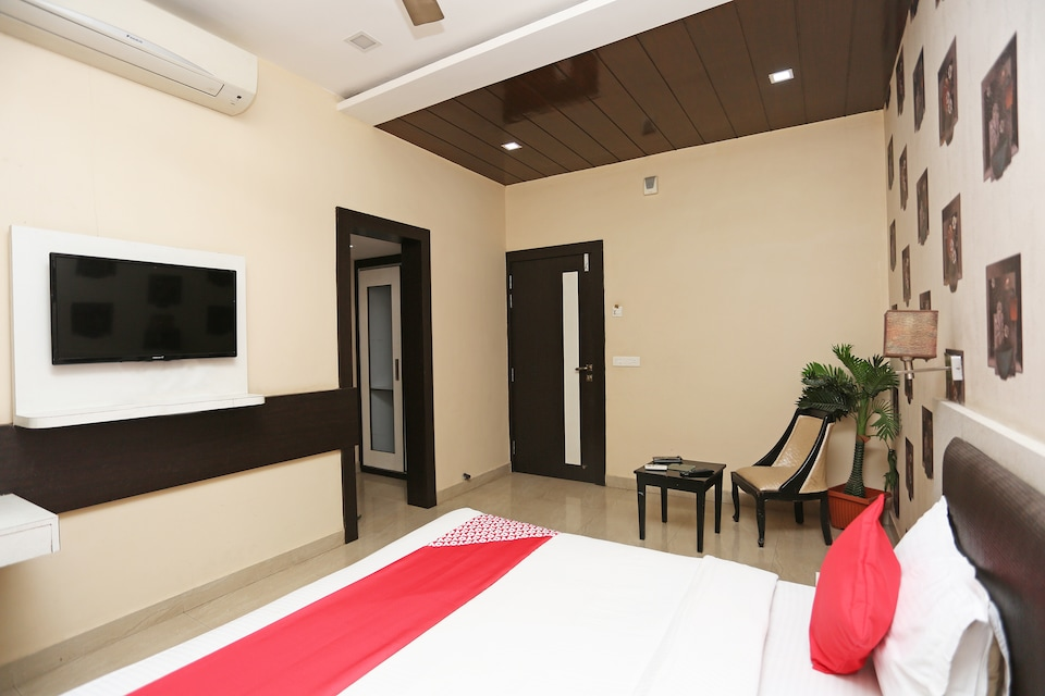 OYO 23334 Hotel King's Fort