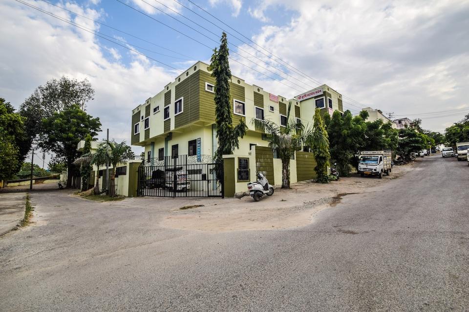 OYO 23381 Keshar Residency