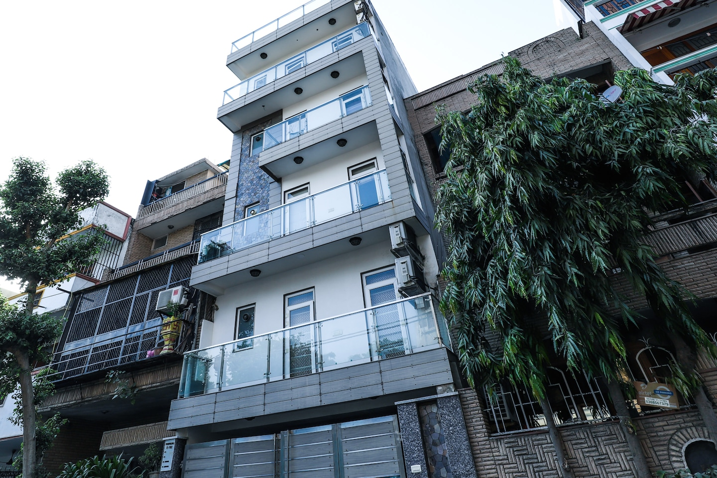 OYO 23437 Home Luxury 3BHK  Greater Kailash -1