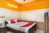 OYO 23455 Varsha Residency