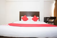 OYO 23478 Hotel Kamran Residency