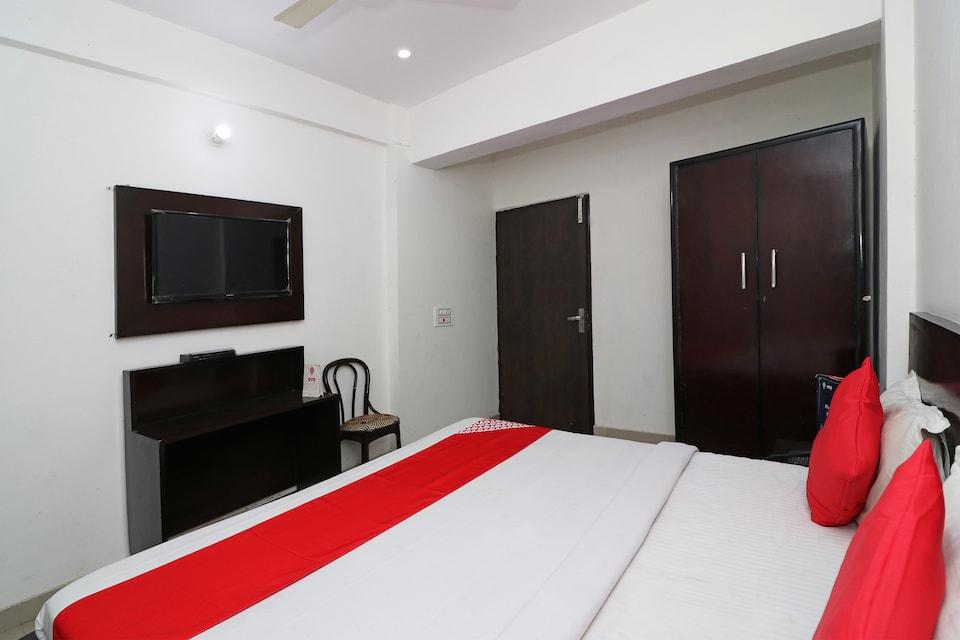 OYO 23504 Hotel Panther, Rohtak, Rohtak