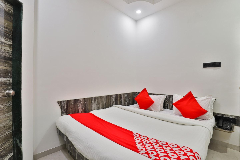 OYO 23540 Hotel Suryakant -1