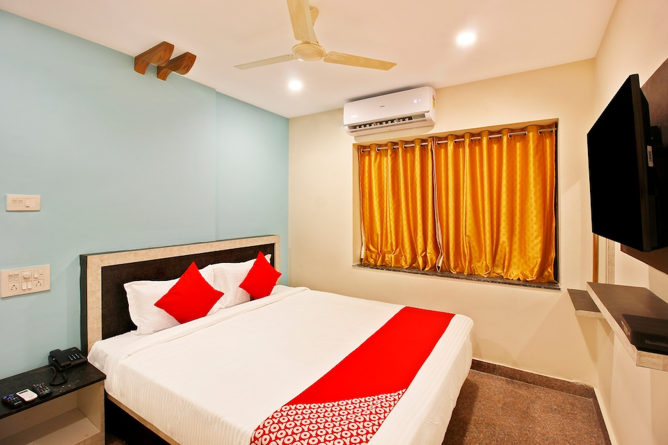 Capital O 23543 Hotel Vaishnavi