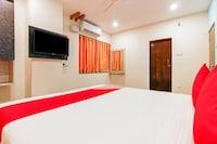 OYO 23543 Hotel Vaishnavi Deluxe