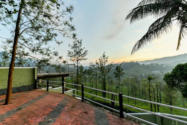 OYO Home 23547 Garden View 2BHK