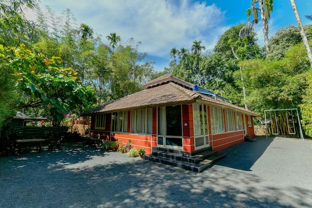 OYO 23575 Home Scenic Cottage Meenangadi