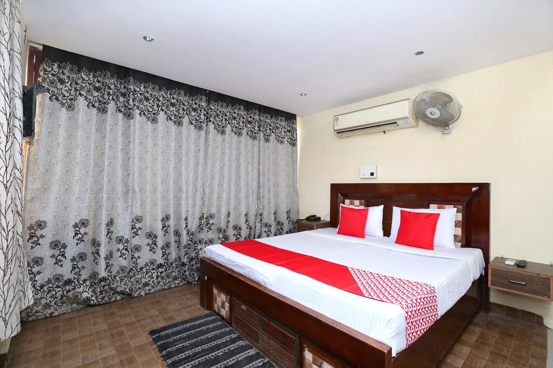 OYO 23596 Hotel Kuber Castle -1