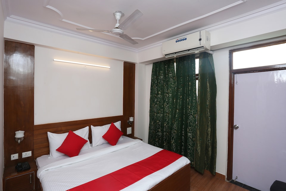 OYO Flagship 23607 Kailash Residency