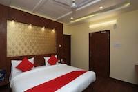 OYO 23616 Hotel Ss