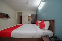 OYO 23706 Super Deluxe Guest House