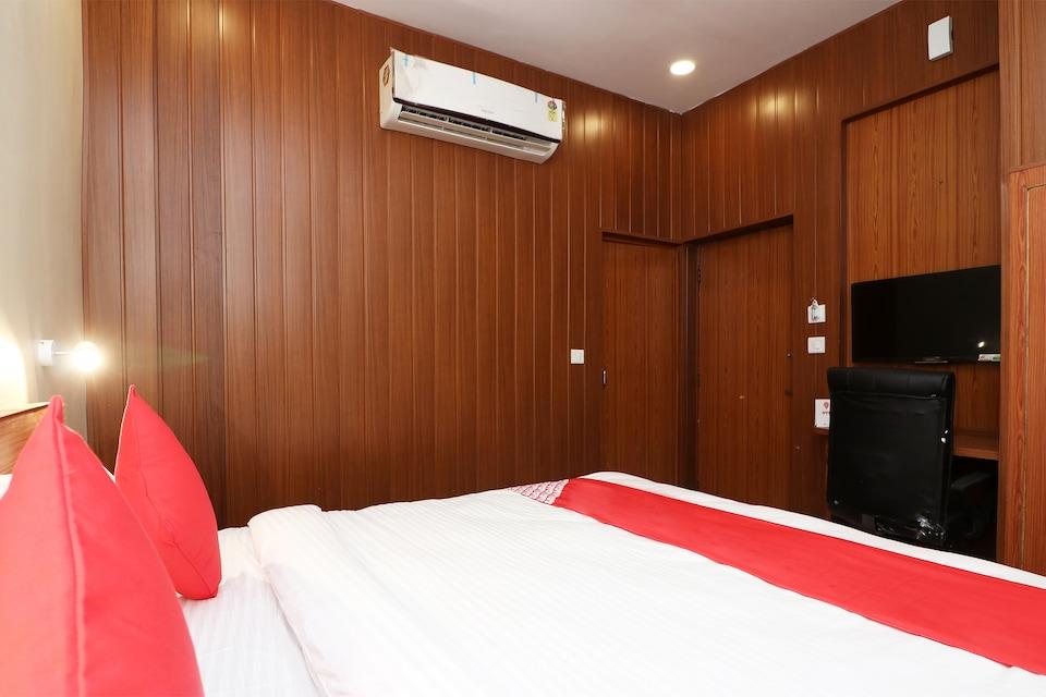 OYO 23709 Hotel Meerut International