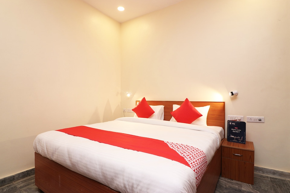 OYO 23709 Hotel Meerut International
