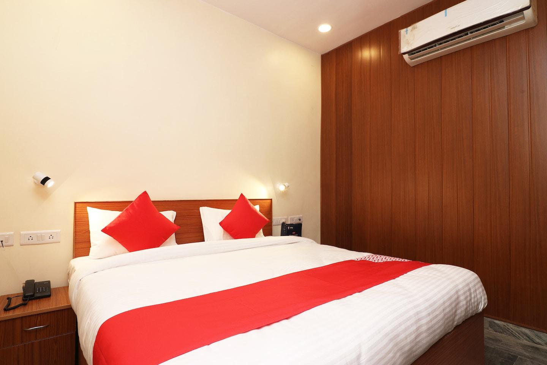 OYO 23709 Hotel Meerut International -1