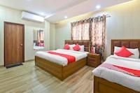 OYO Flagship 23992 Sunrize Hotel