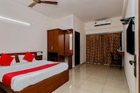 OYO 23999 Samruddhi Lodge