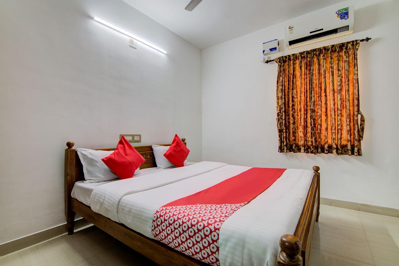 OYO 24044 Appledoor Service Apartment -1