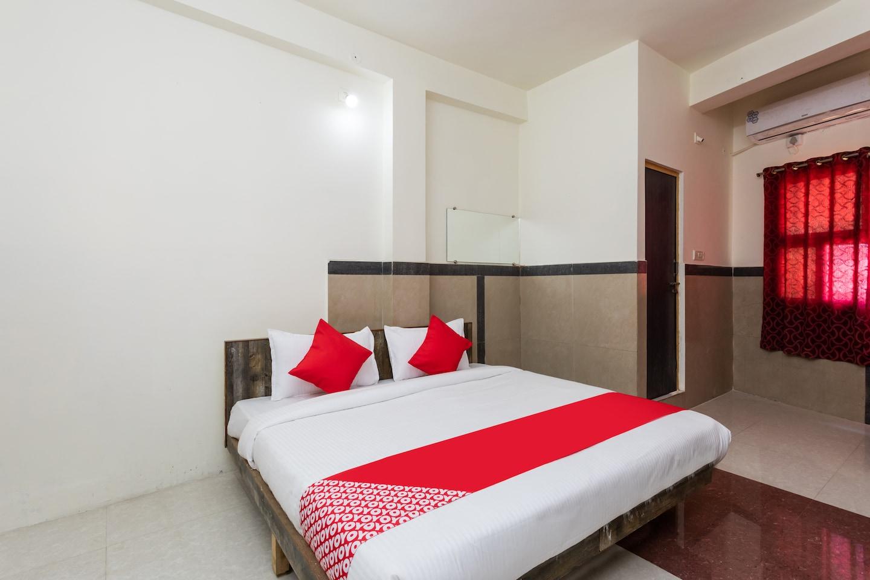 OYO 24064 Hotel Shree Gopi -1