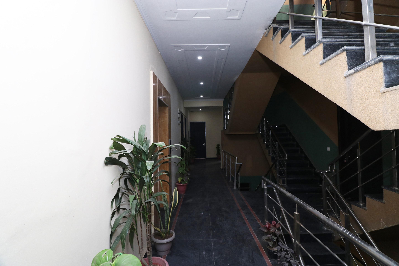 OYO 24108 Bamyan Hotel