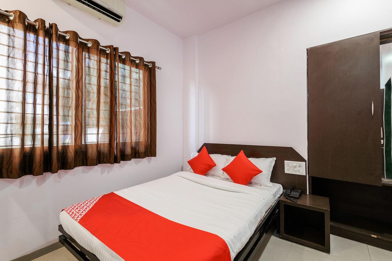 OYO Flagship 24115 Hotel Rajwada -1