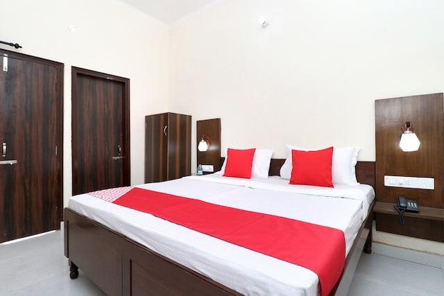 OYO 24122 Hotel Sharnam