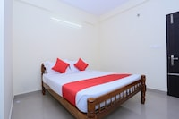 OYO 24129 Panackal Inn