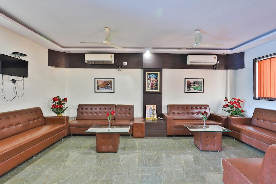 OYO 24135 Hotel Anand Inn