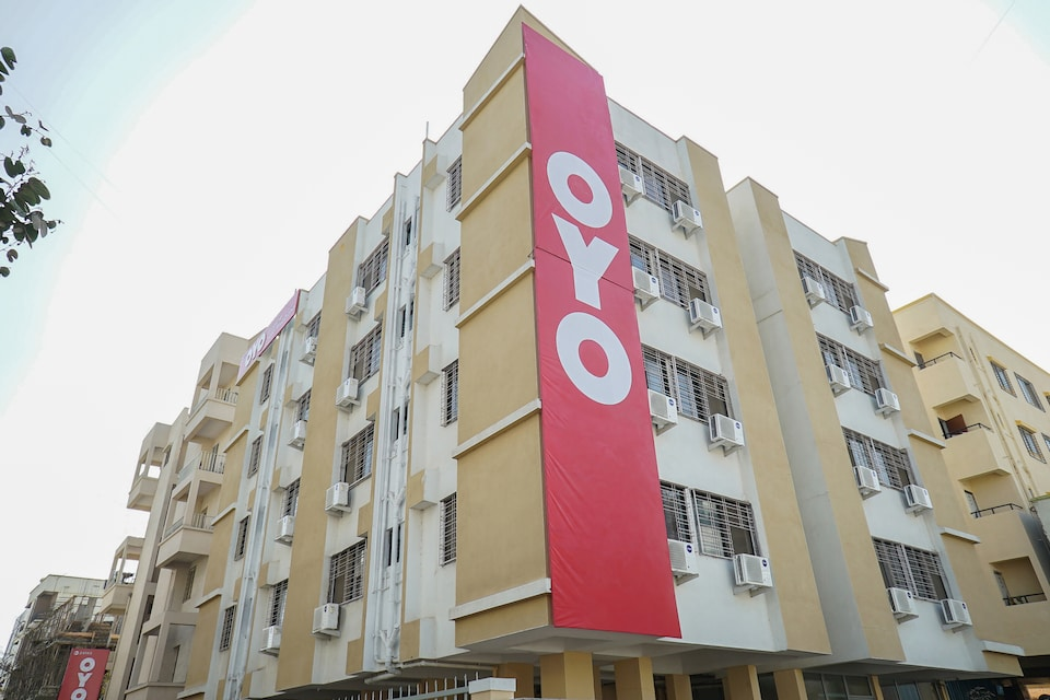OYO Flagship 24143 Hotel Blue Orchid