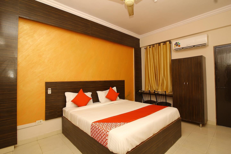 OYO 24204 Nav Bharath Residency -1