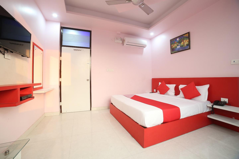 OYO 24220 Hotel Bohra International -1
