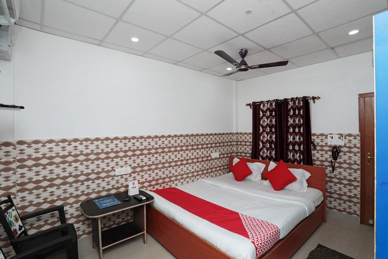 OYO 24224 Varsha Resort -1