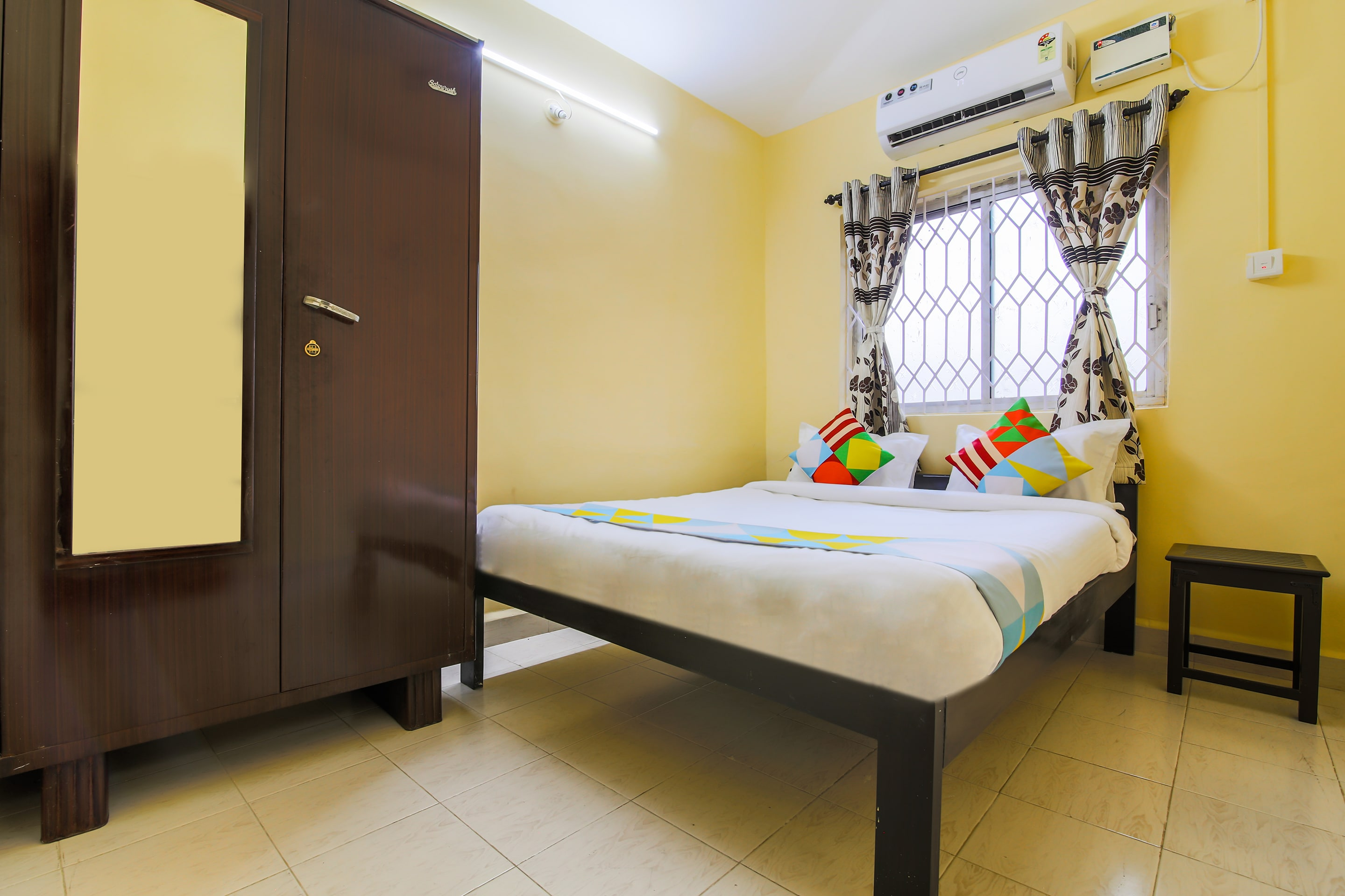 Hotel Gallarey OYO Home 24230 Spacious 2BHK