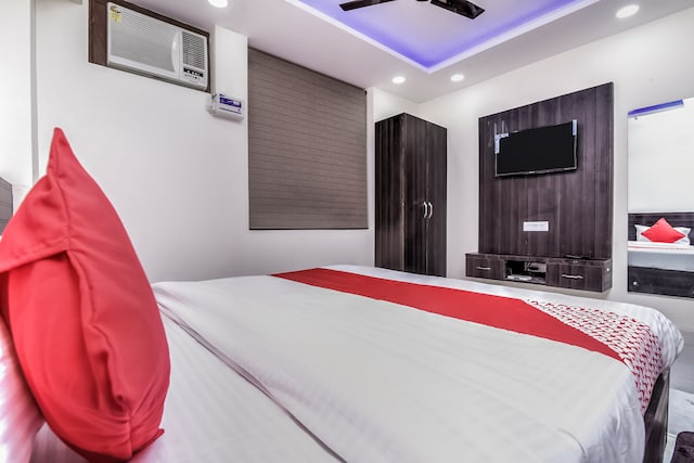 OYO 24236  Dwarka Residency