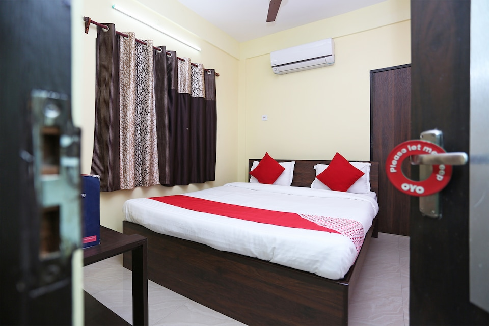 OYO 24237 Aashray Guest House