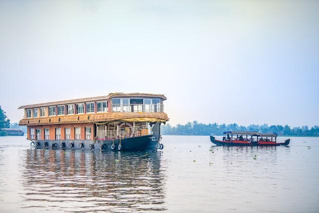 OYO 24290 Houseboat Anugraha Deluxe Deluxe