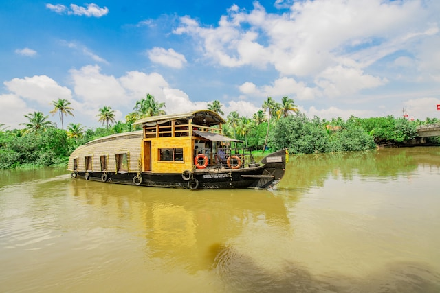OYO 24291 HouseBoat Indraprastham Green House 1bhk Deluxe